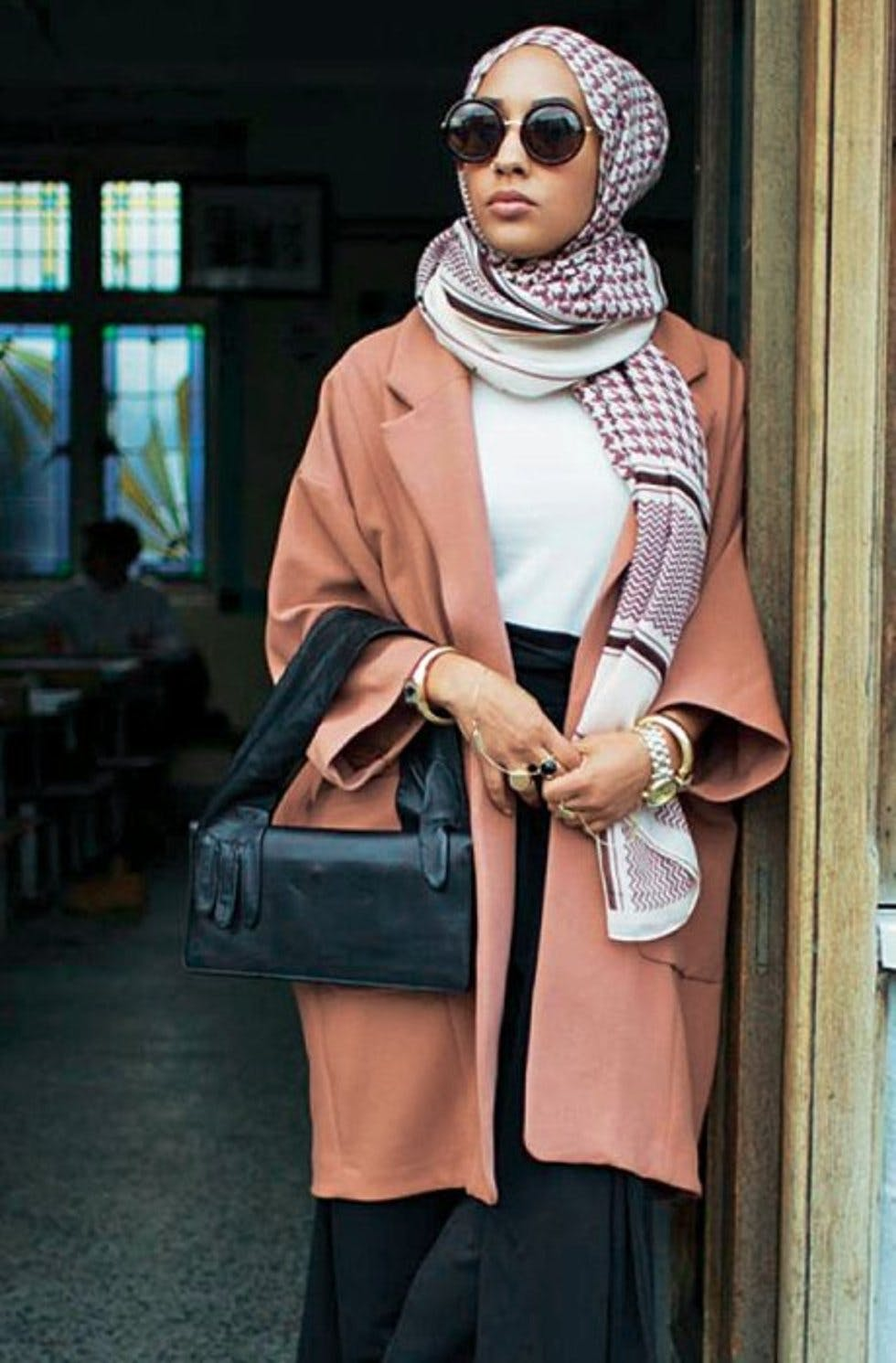 """b94d4d9ac38c The Londoner made headlines as H&M's first Muslim model in a hijab. As a  model and motivational speaker, she hopes to """"inspire women all over the  world with ..."""