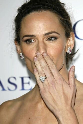 3f13ab434be58 The most stunning and spectacular A-list engagement rings