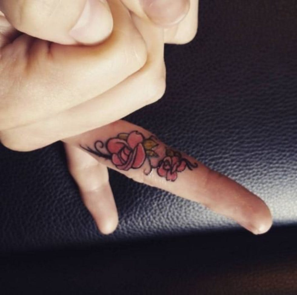 a63634fb7adcf 50 delicate and tiny finger tattoos to inspire your first (or next ...
