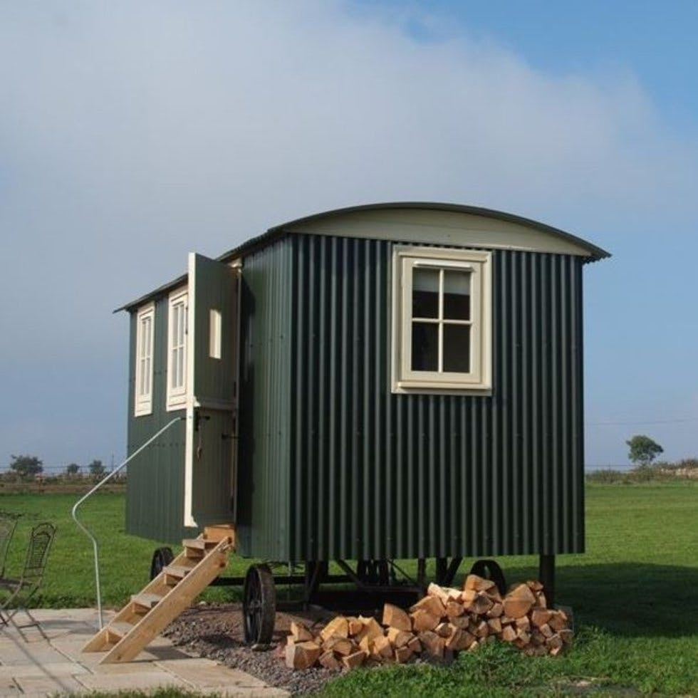 Shepherd S Hut: From A Rustic Shepherd's Hut To A 17th Century Pub