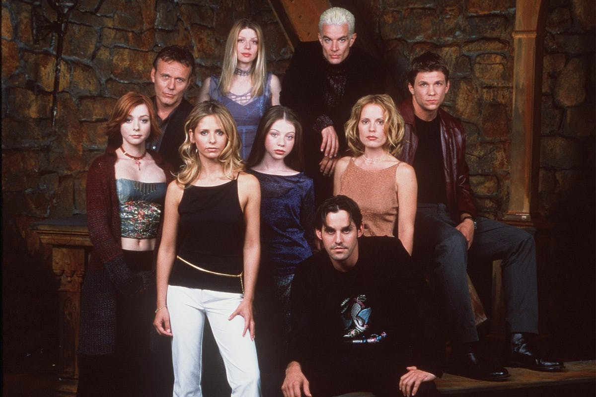 """Buffy The Vampire Slayer: The cast of 20th Century Fox's """"Buffy The Vampire Slayer"""" pose for a portrait. (Photo by Online USA)"""