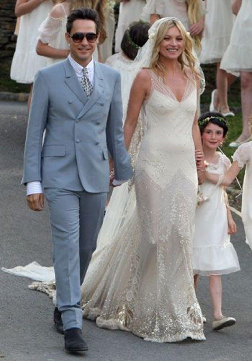 replica priscilla presley wedding dress