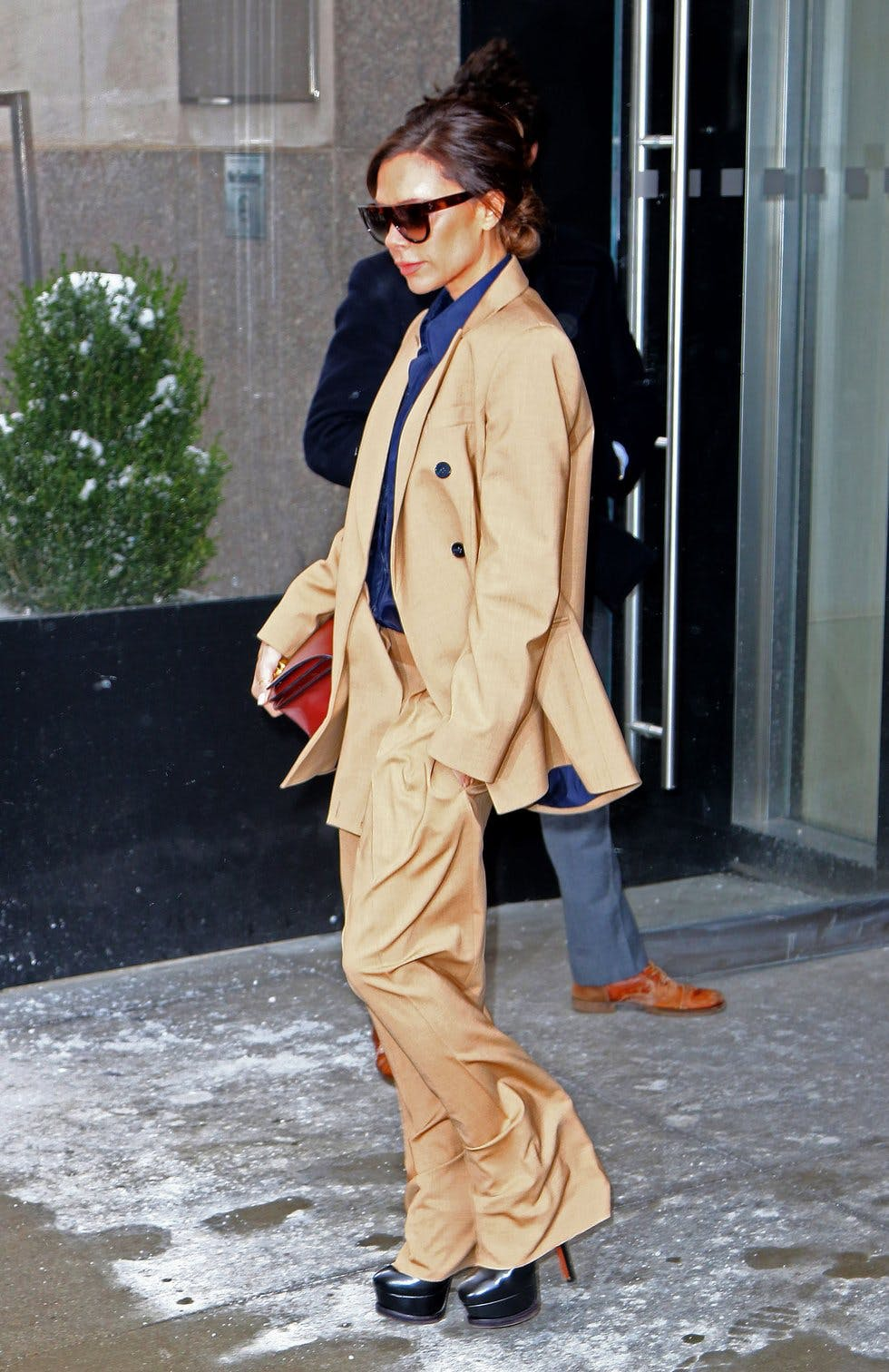 12a2fa2eed0 Get daily outfit inspiration with our round-up of the best A-list ...