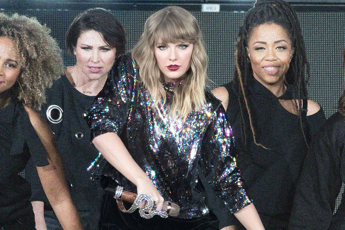 This Is How Taylor Swift Stops Her Backup Dancers From Leaking Her Music