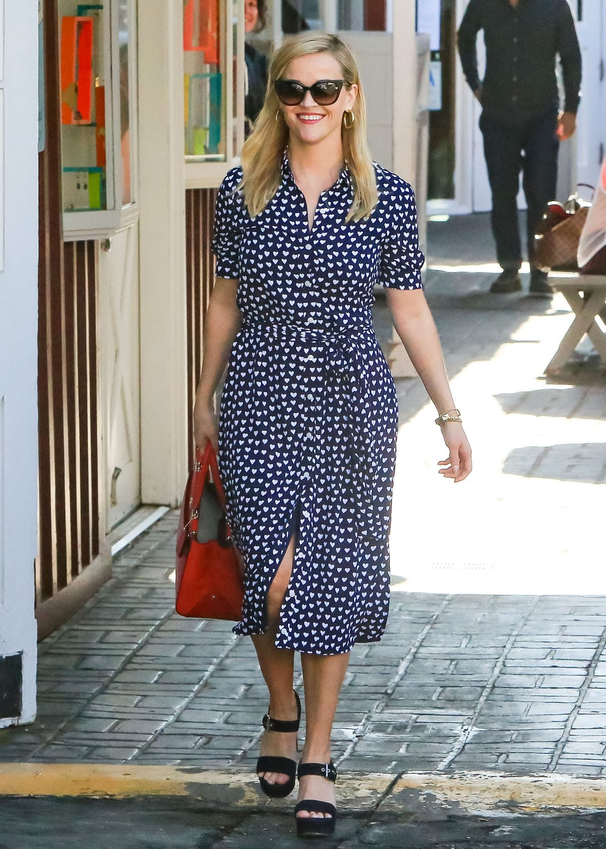 822f7b49 Get daily outfit inspiration with our round-up of the best A-list ...