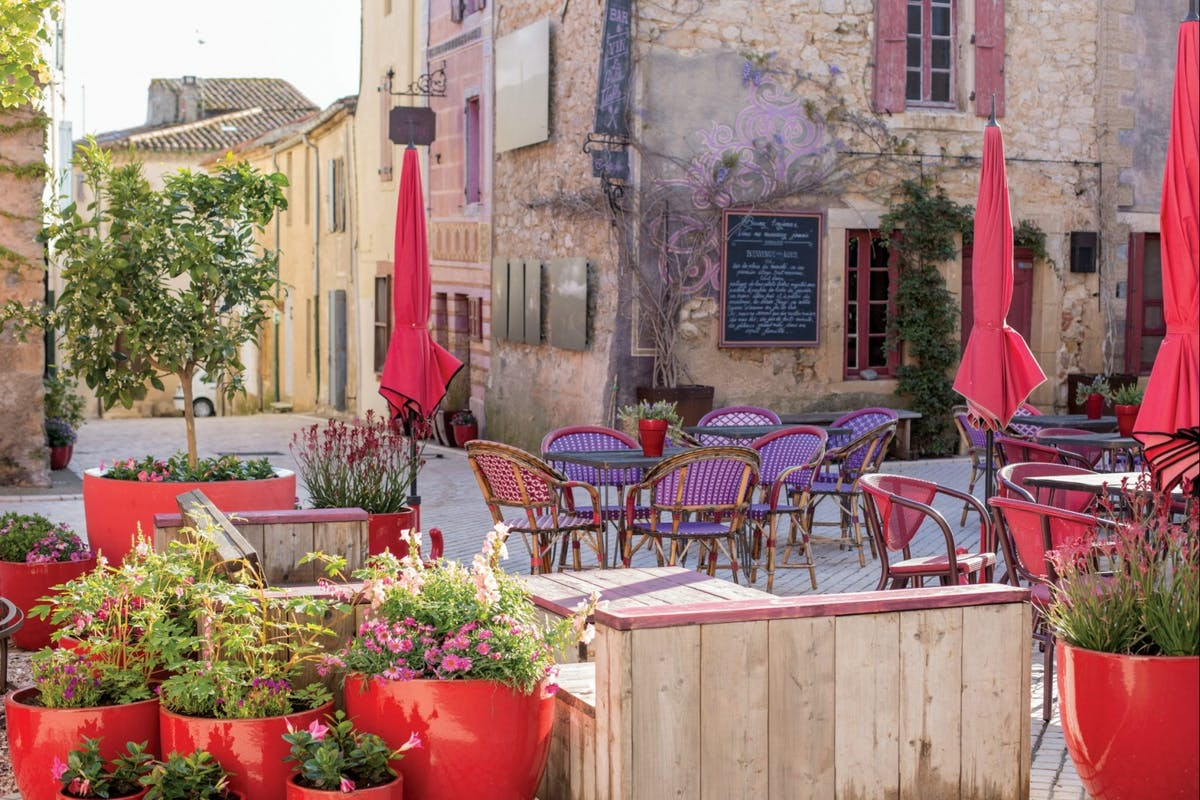 View of the courtyard in rural getaway Village Castigno, France