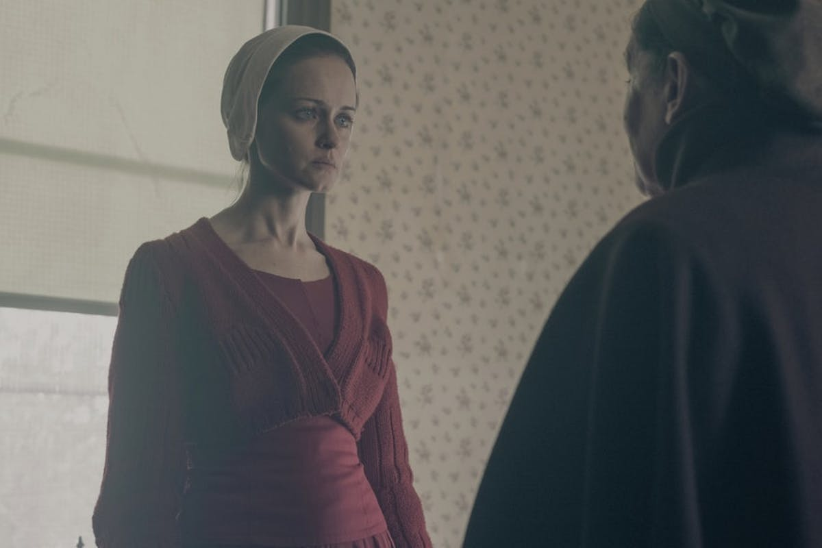 Aunt Lydia and Emily in The Handmaid's Tale (season 2, episode 13: The Word)