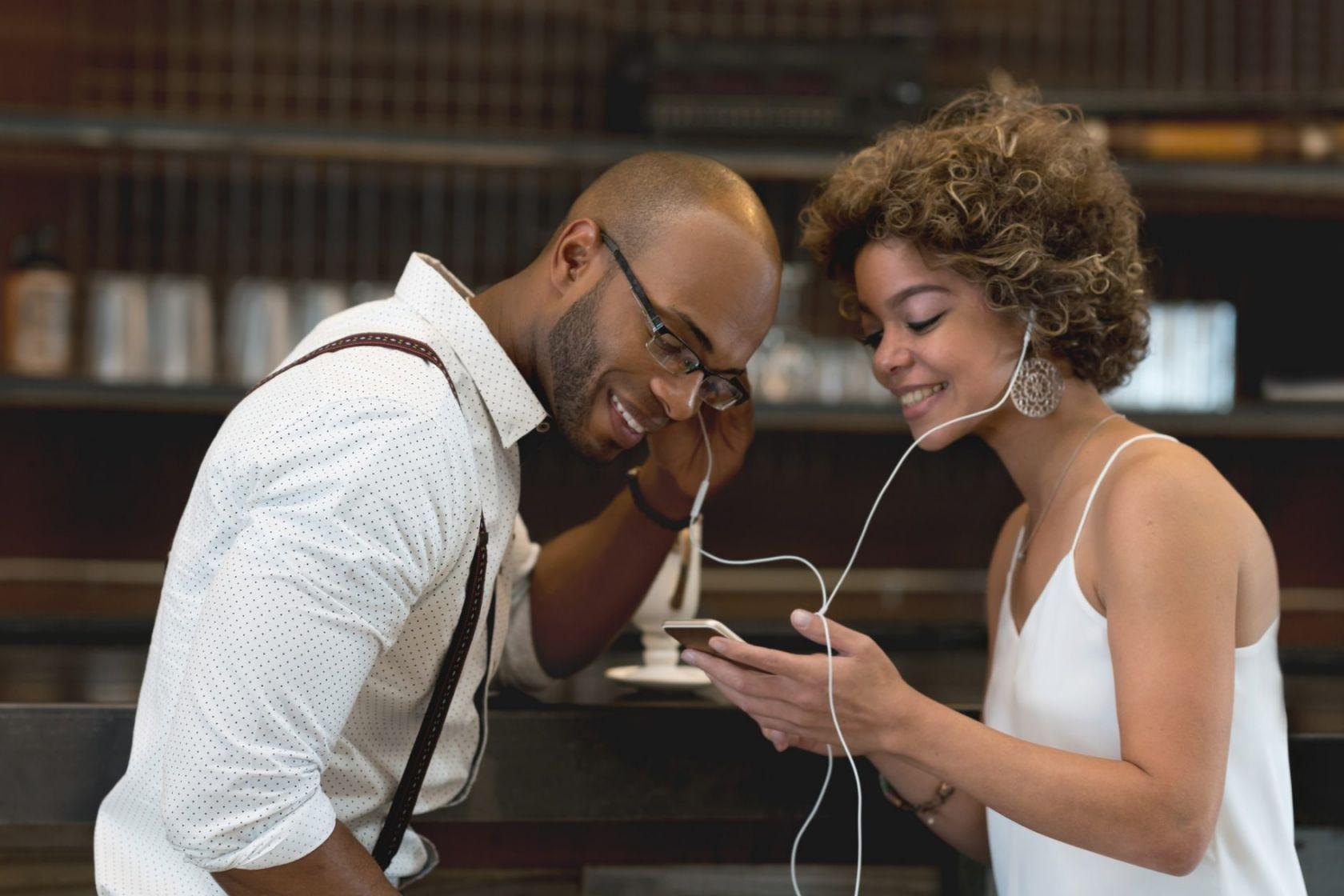 speed dating w londynie frekvence online textových zpráv
