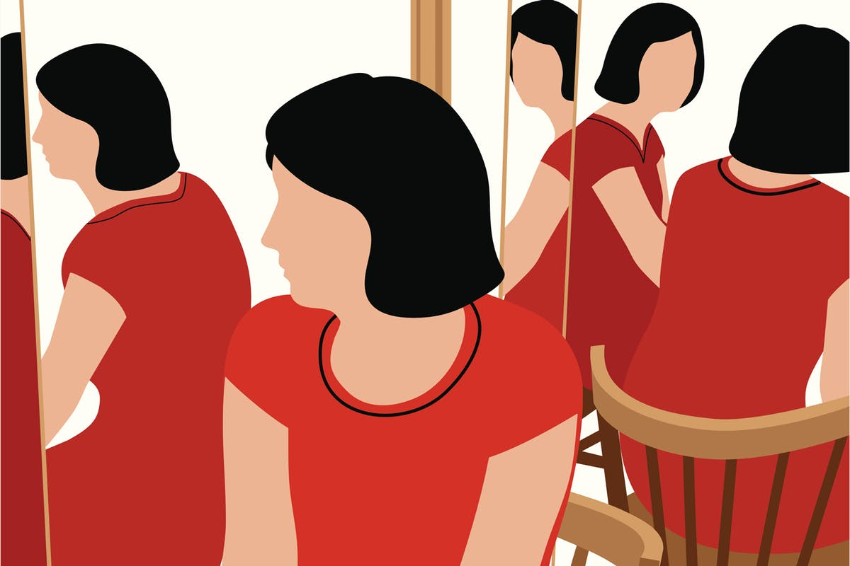 """The reality of body dysmorphia: """"I don't see myself the way others do"""""""
