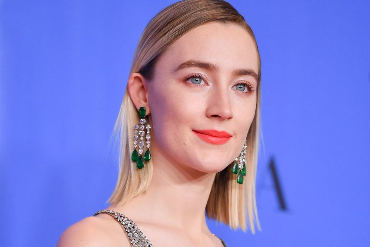 BEVERLY HILLS, CALIFORNIA - JANUARY 06: Saoirse Ronan poses in the press room during the 75th Annual Golden Globe Awards held at The Beverly Hilton Hotel on January 06, 2019 in Beverly Hills, California. (Photo by George Pimentel/WireImage,)