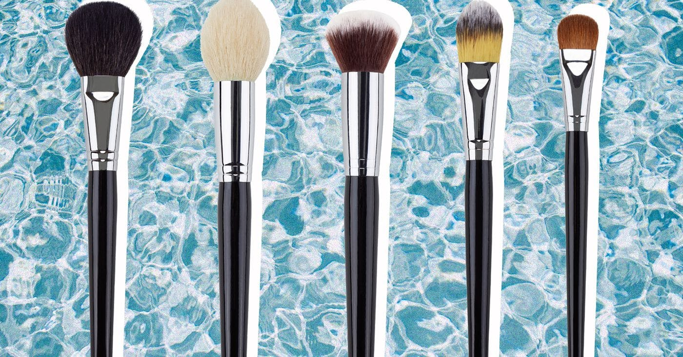 This is how to clean your make-up brushes quickly at home – without ruining them