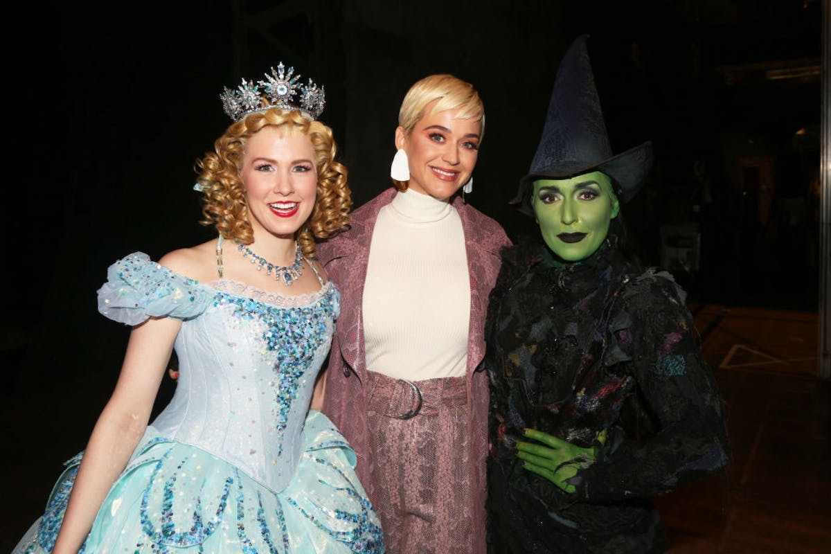Katy Perry has a fangirl moment with the cast of Wicked