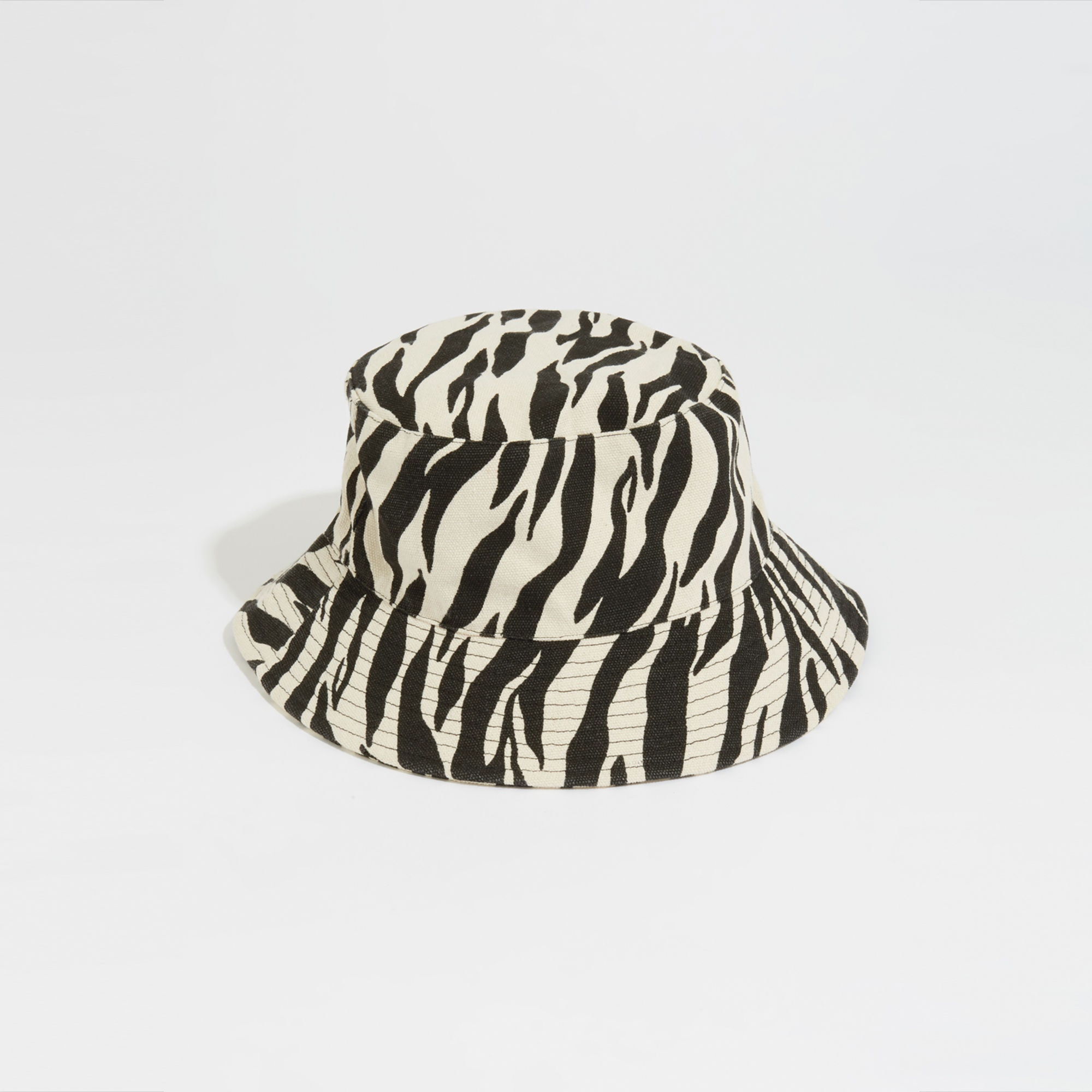 How To Style Summer 2019 S Bucket Hat Trend