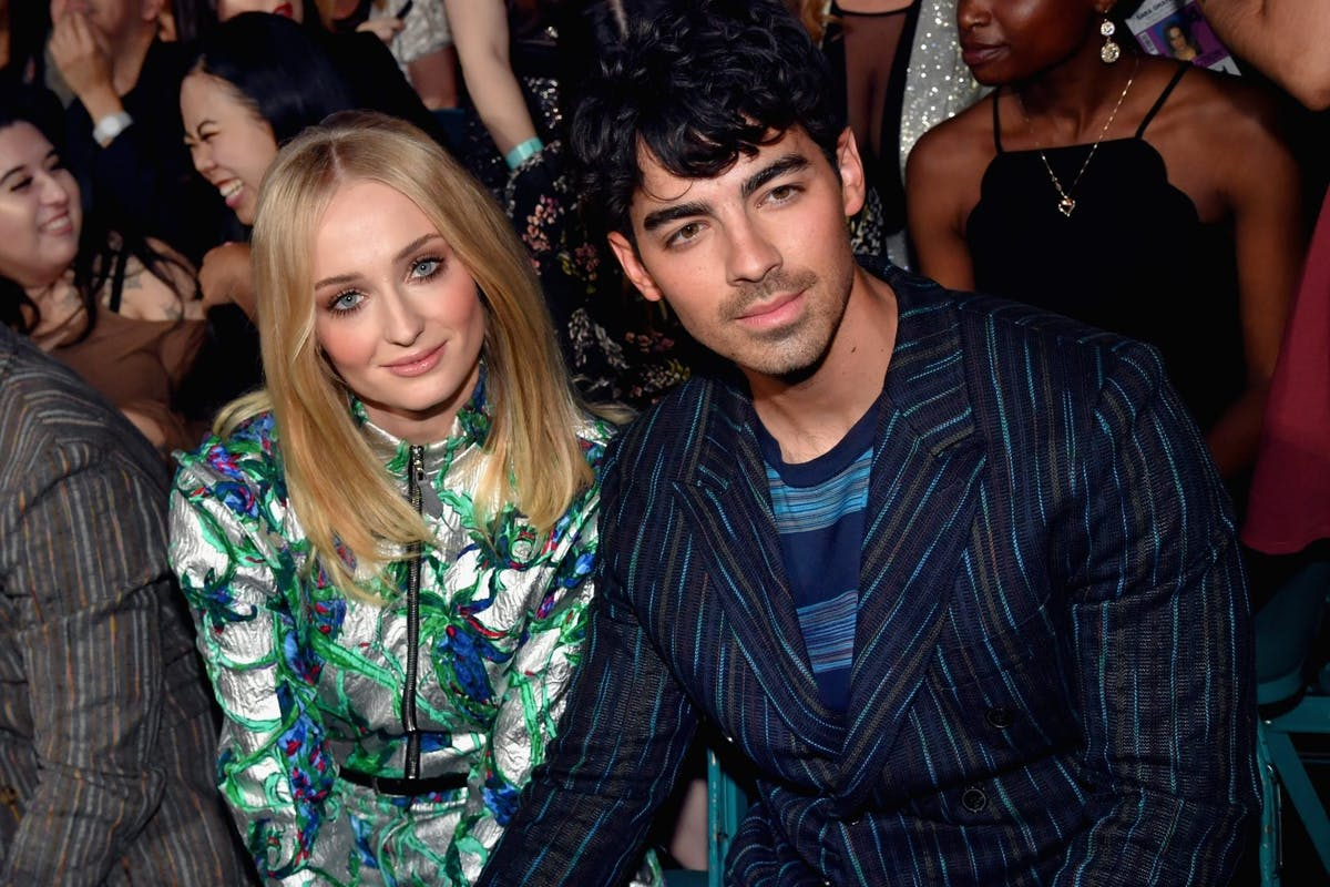 LAS VEGAS, NV - MAY 01: (L-R) Sophie Turner and Joe Jonas attend the 2019 Billboard Music Awards at MGM Grand Garden Arena on May 1, 2019 in Las Vegas, Nevada. (Photo by Jeff Kravitz/FilmMagic for dcp)