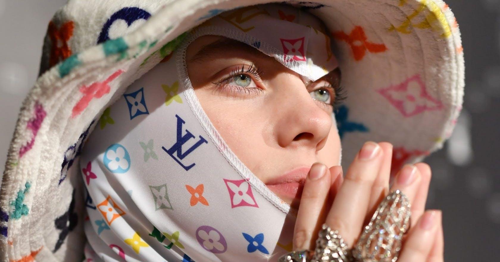 Billie Eilish S Calvin Klein Video On Body Shaming