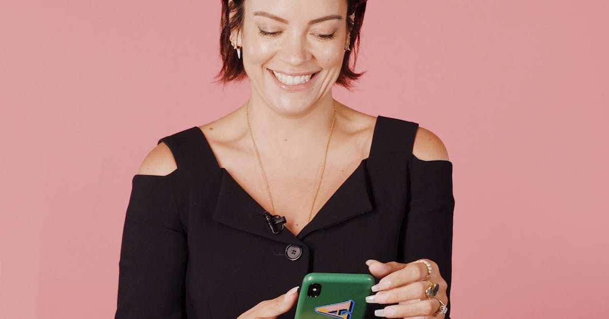 Lily Allen let us read text messages from her celebrity friends, and this is what happened next