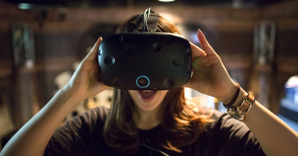 """""""In 2019, virtual reality is better than ever – unless you're a woman"""""""