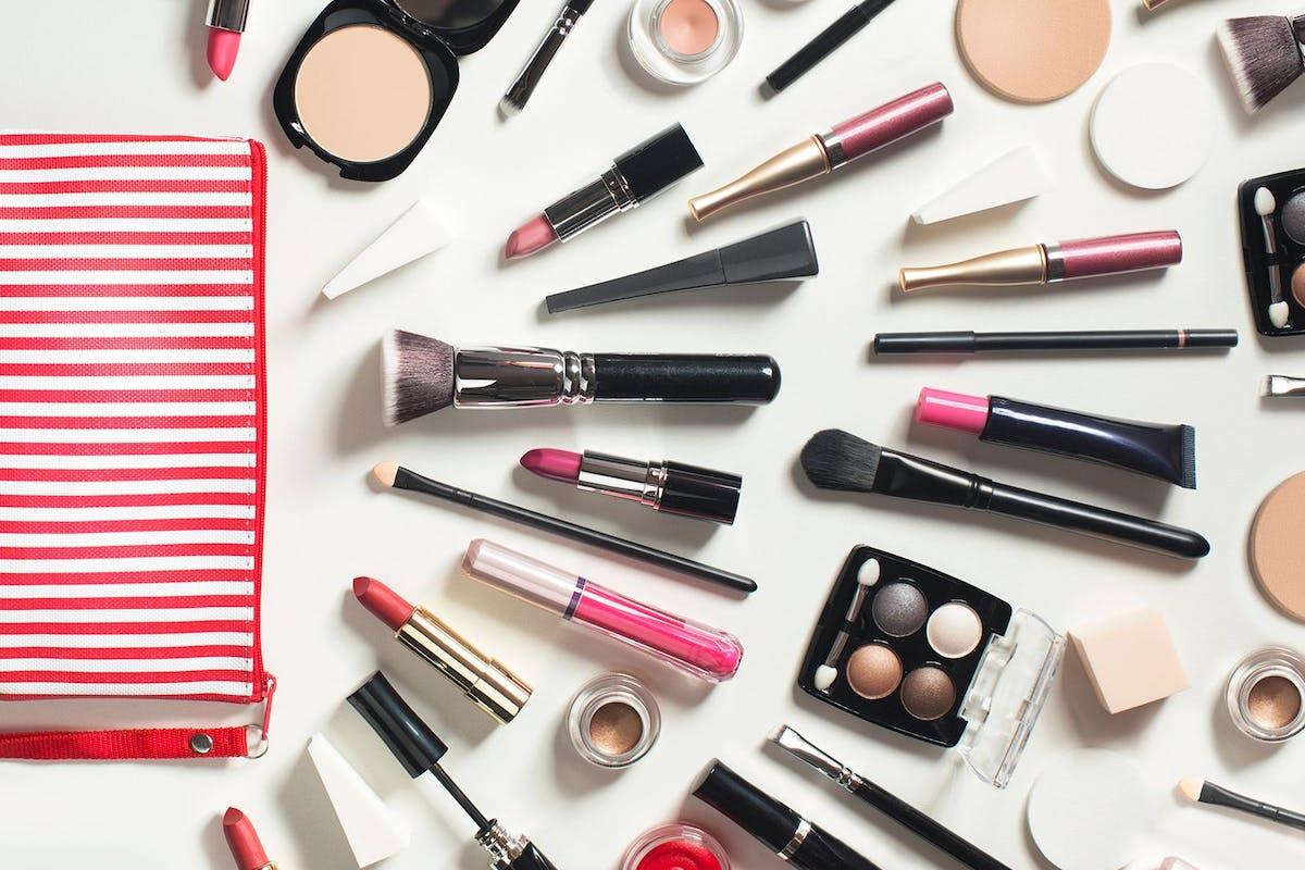 best-makeup-bags-organisation