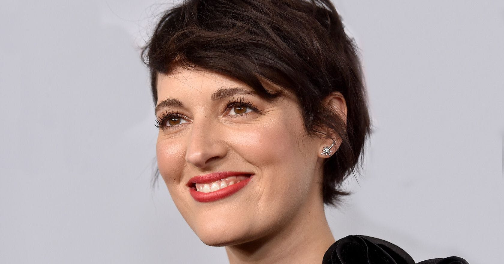 """Phoebe Waller-Bridge explains how being """"boring"""" helps her deal with fame"""