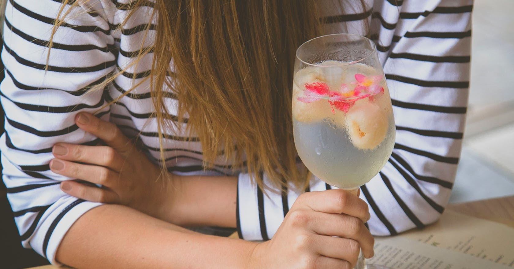Day drinking: why drinking alcohol in the day seems to affect us more