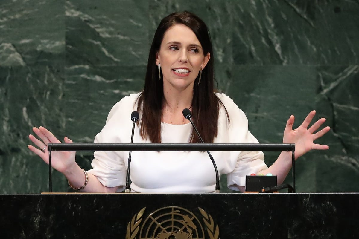 New Zealand's male politicians are bringing their babies to parliament – and the photos are going viral