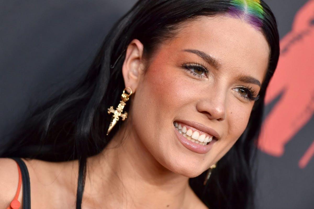 Vmas 2019 Halsey Rainbow Hair Beauty Trend
