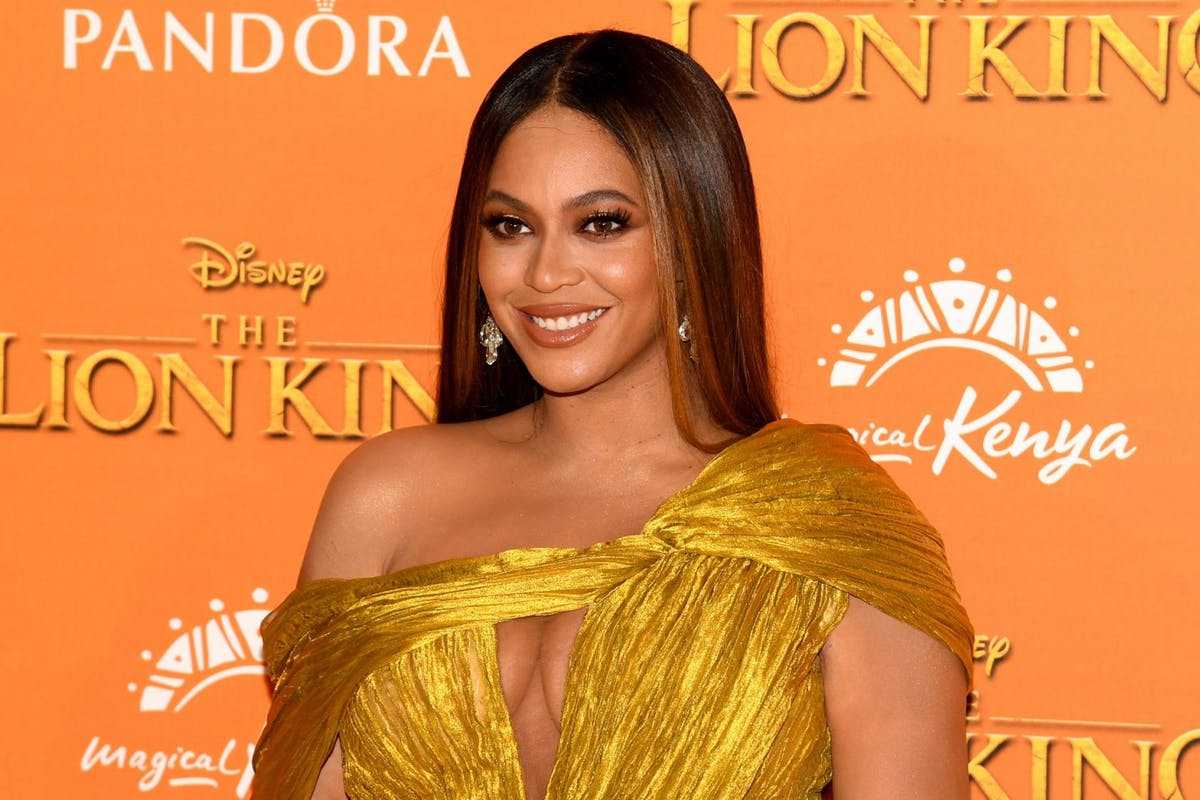 beyonce-french-manicure-trend-2019