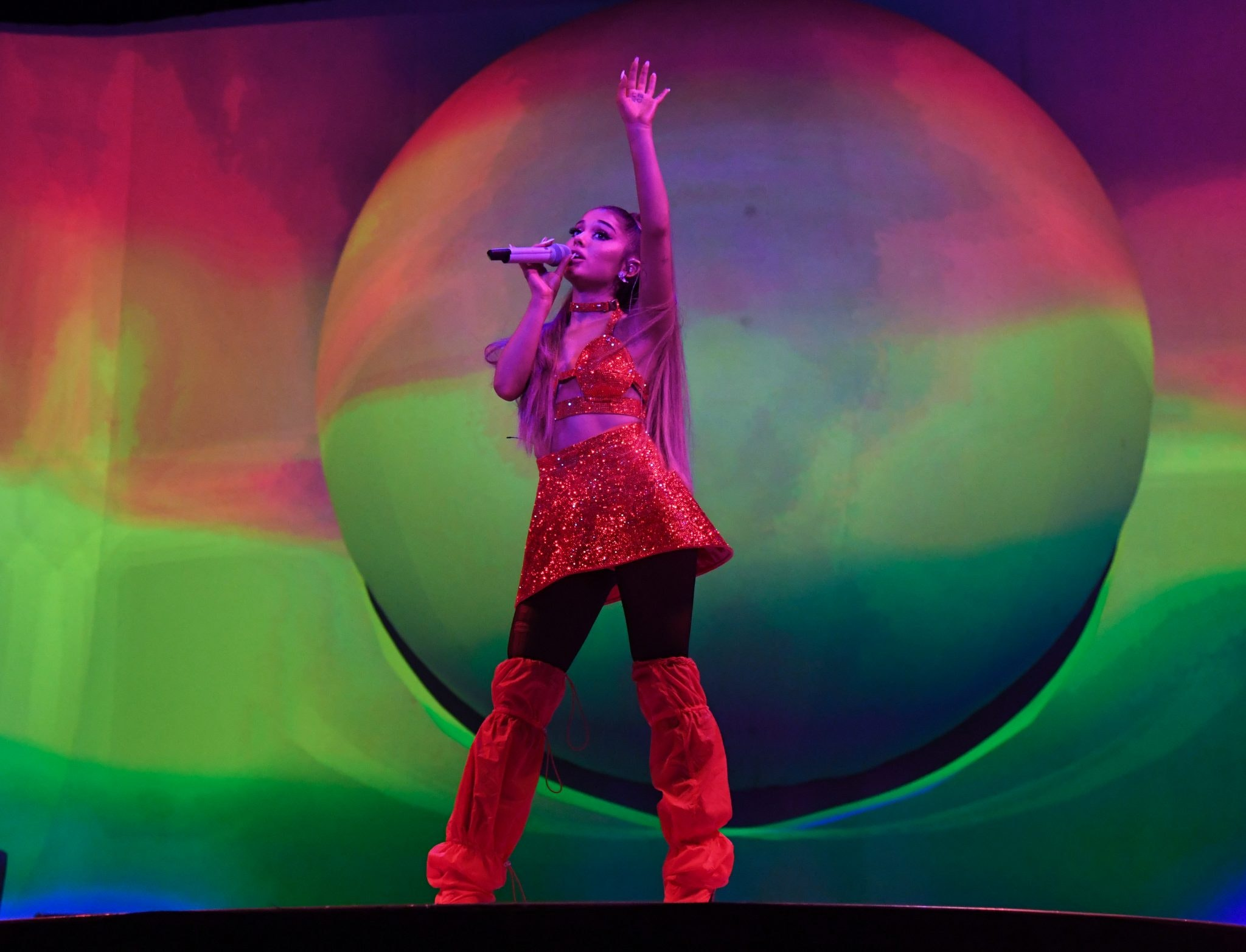 Ariana Grande Cancels Tour Meet And Greet