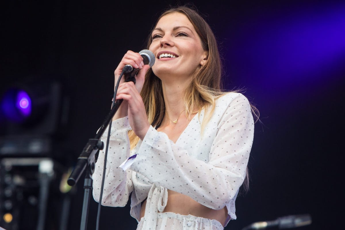 Rosie Lowe: Stylist interviews London singer