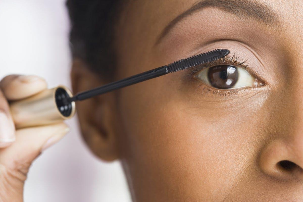 best-mascara-sensitive-eyes-hypoallergenic-contact-lens-wearers-review