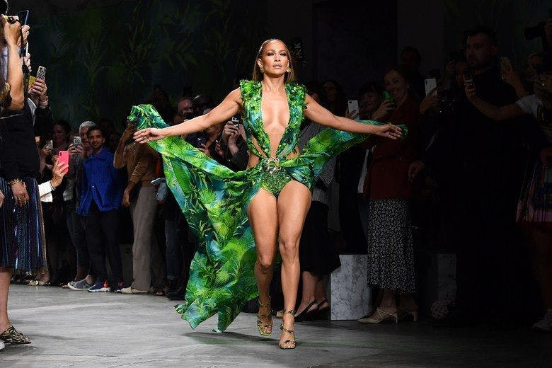 Jennifer Lopez closes the Versace spring / summer 2020 show