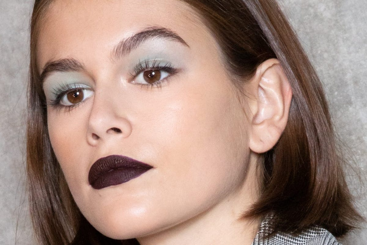 These 90s beauty trends got a modern twist at Milan Fashion Week