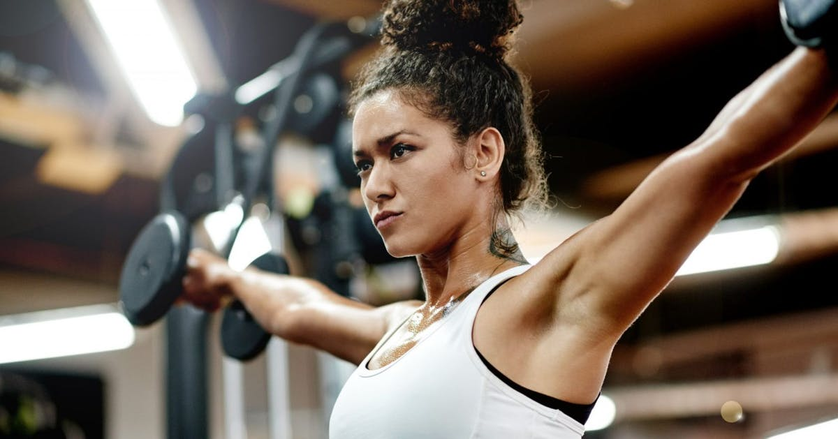 5 weight lifting experts explain the strengthening benefits for women