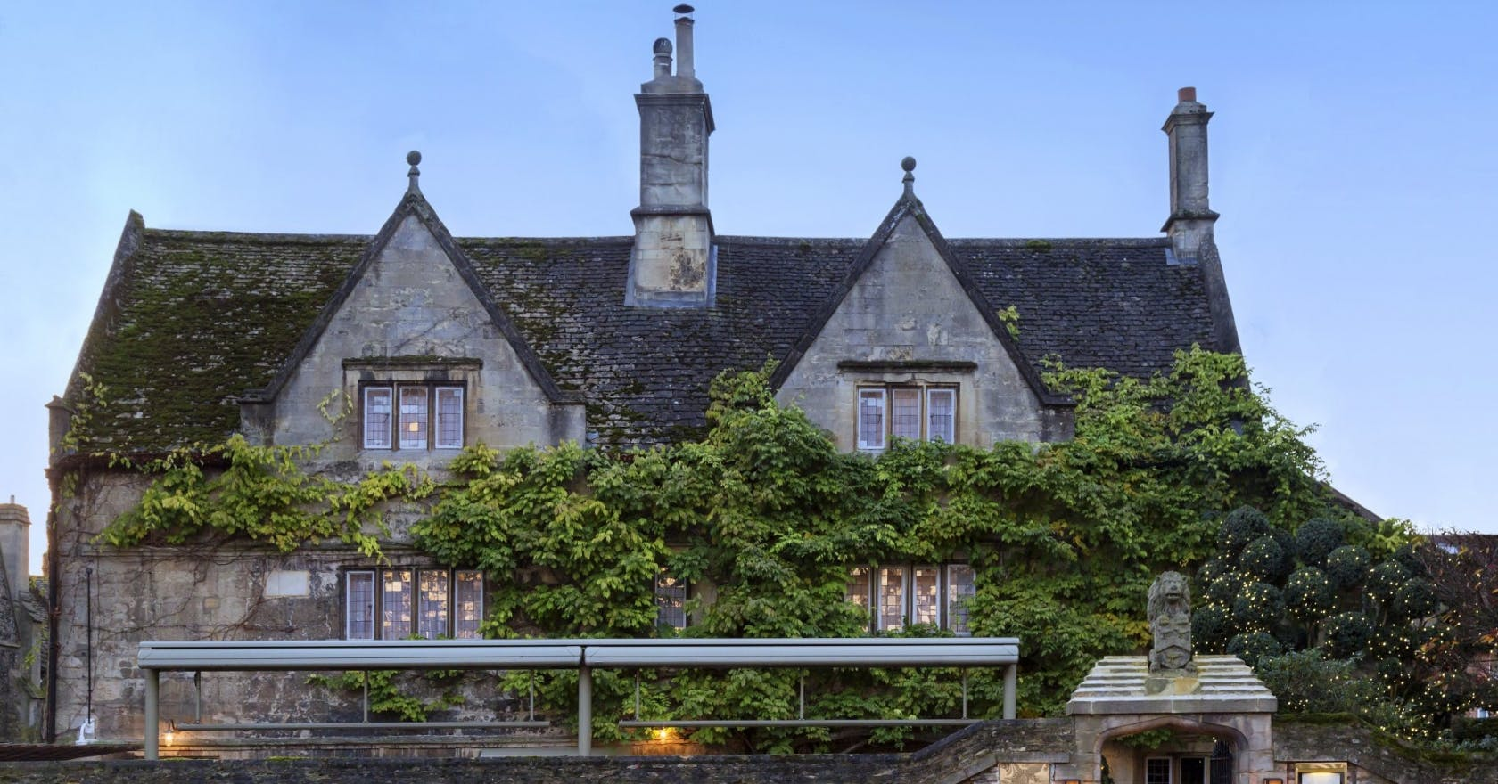 Book lovers – enjoy a cosy literary escape at this Oxford hideaway