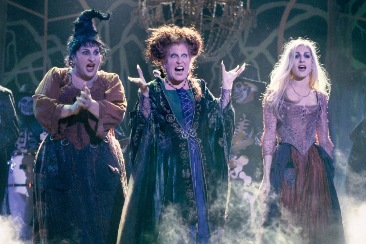 This surprising connection between Friends and Hocus Pocus has us even more excited for Halloween