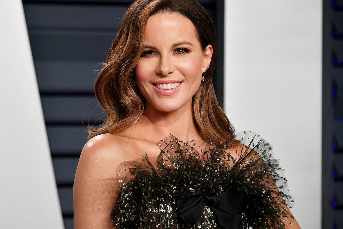 """Kate Beckinsale says she looks """"exactly"""" like Ryan Reynolds – and she's got the photos to prove it"""