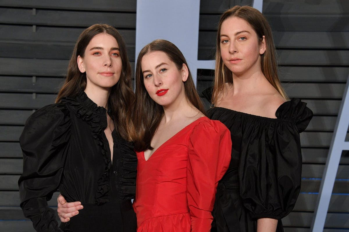 Este Haim is fed up of those sexist 'bass face' memes, and rightly so