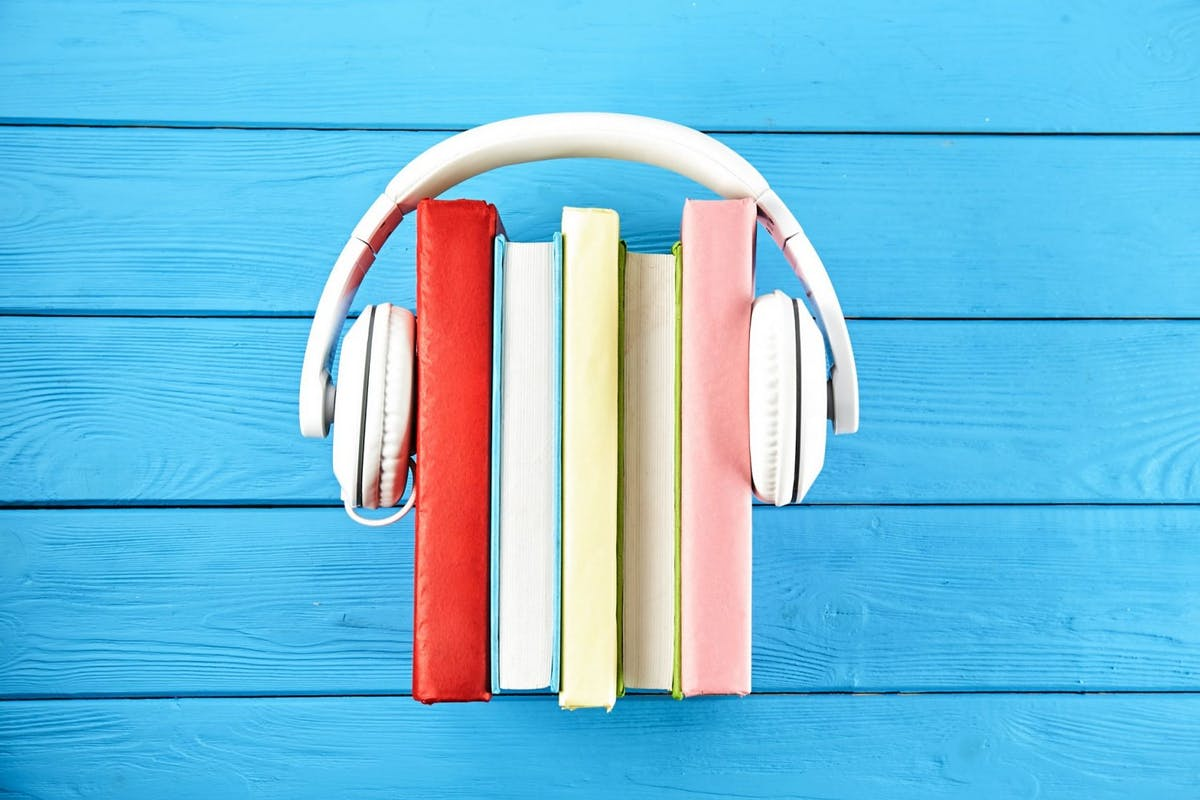 Podcasts about books.