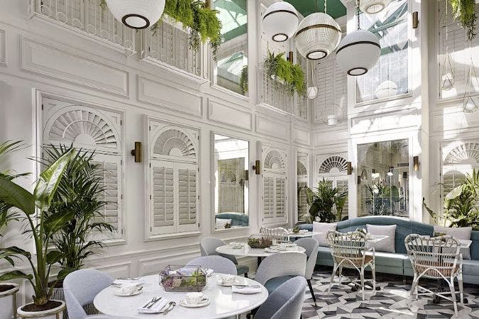 Afternoon teas in London.