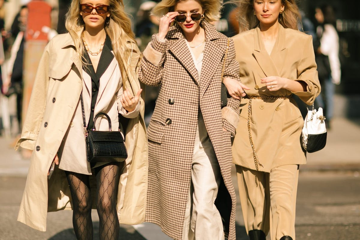 New York Fashion Week street style: trench coats