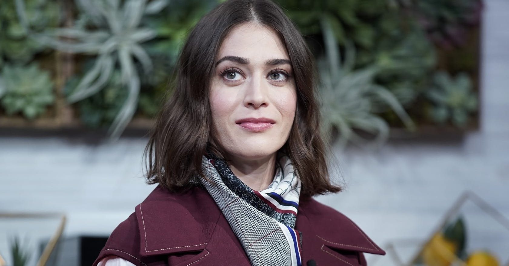 Lizzy Caplan had to bleach her hair after Mean Girls for this infuriating reason