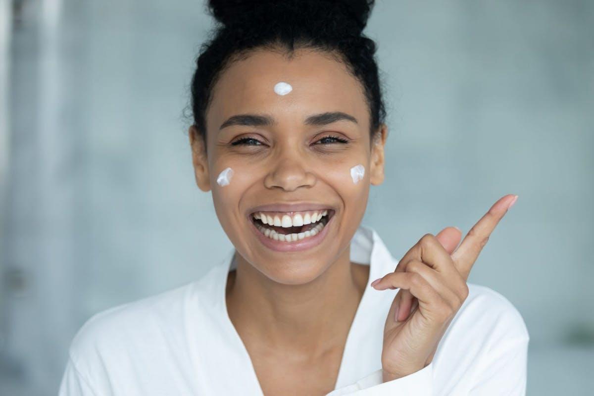 bakuchiol-skincare-benefits-best-bakuchiol-creams-serums
