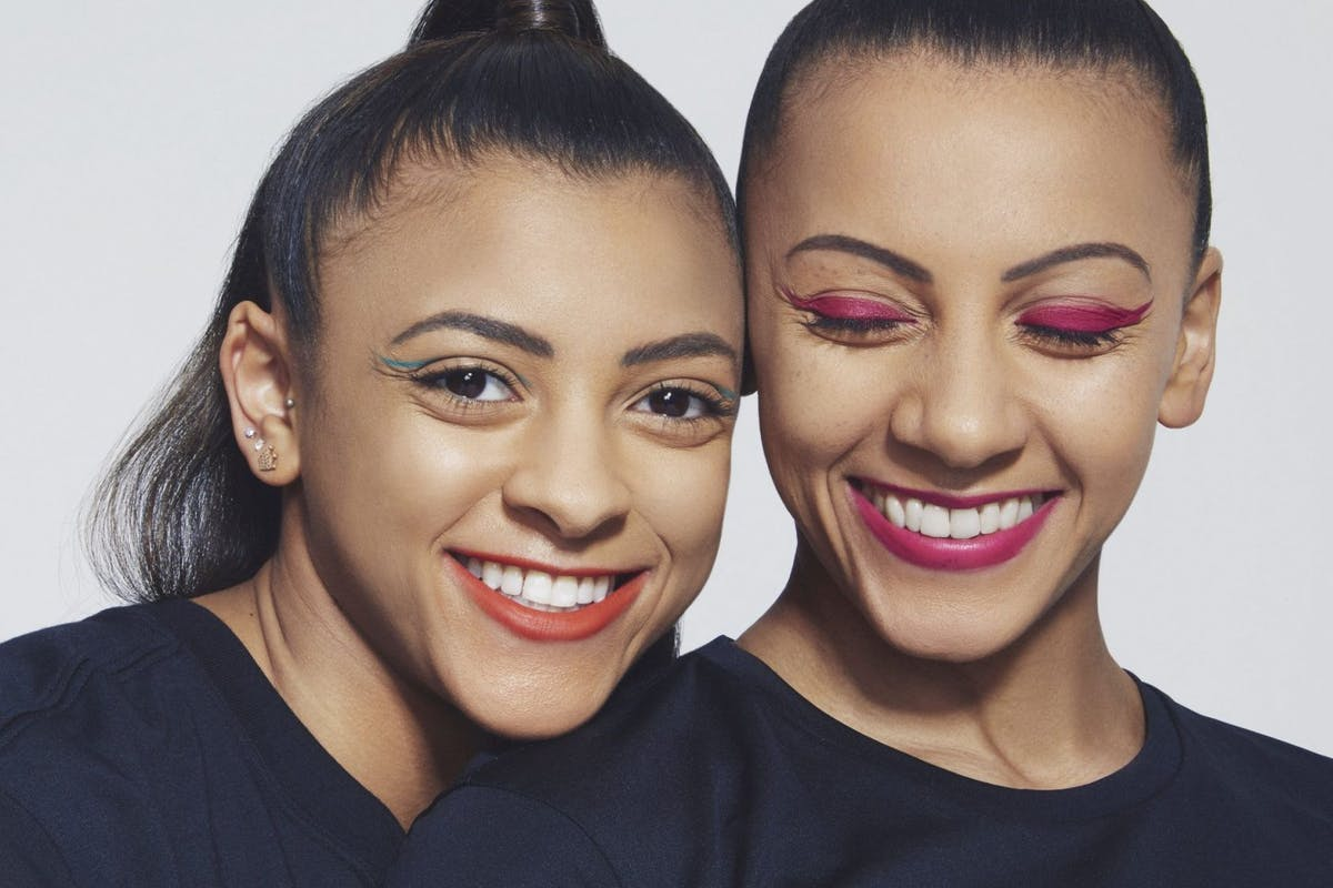 Sisters-Becky-and-Ellie-Downie-Olympic-Gymnasts-in-Bright-Make-up-Trends