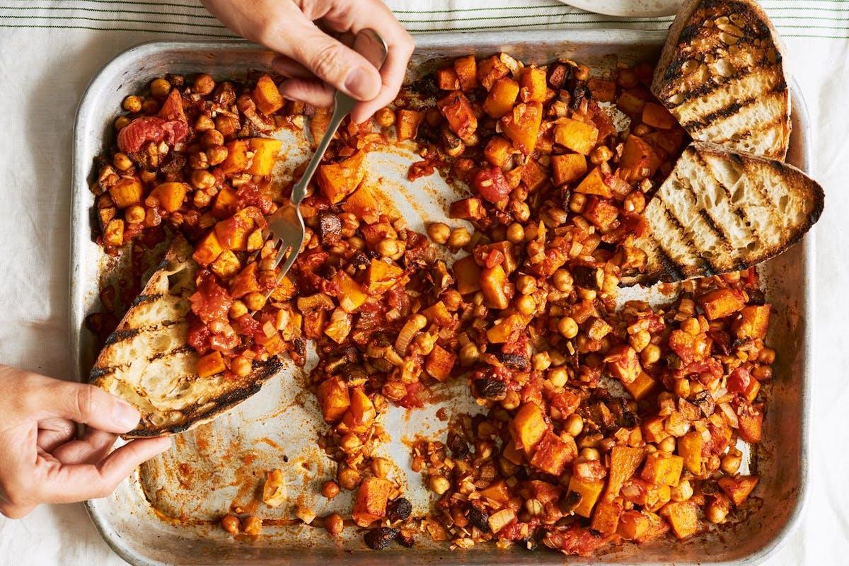 Easy vegan recipes: butternut baked beans