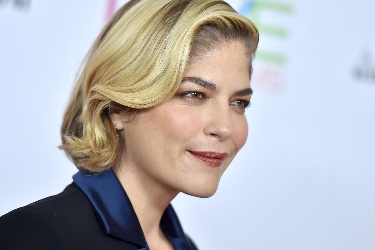 Selma Blair shares important coronavirus message
