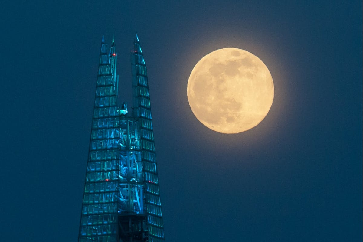 April 2020 Supermoon over London