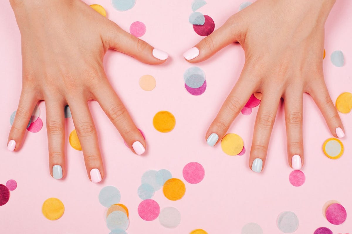 how-to-dry-nails-faster
