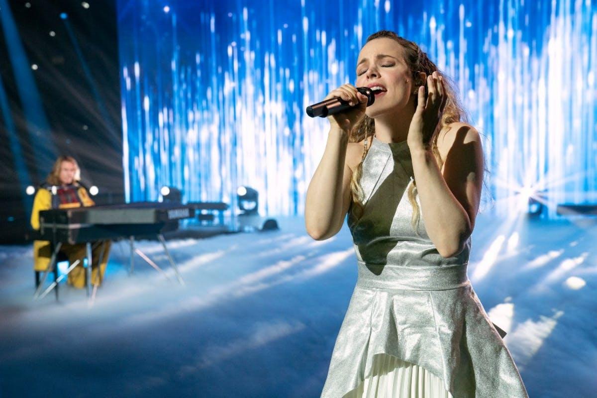 Rachel McAdams singing in Eurovision.