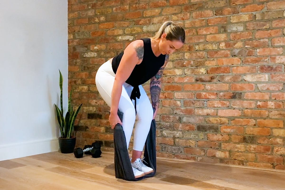 full-body-workout-towel-resistance-training-hero
