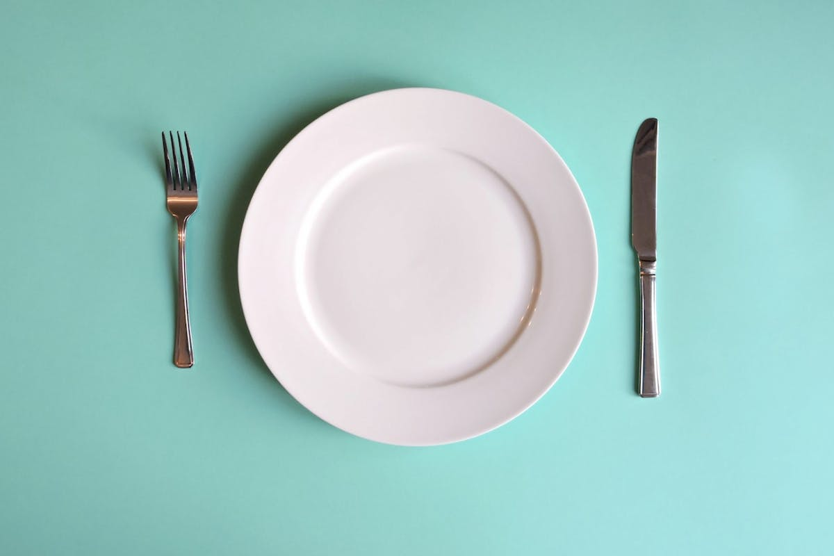 An empty plate to illustrate the concept of food poverty